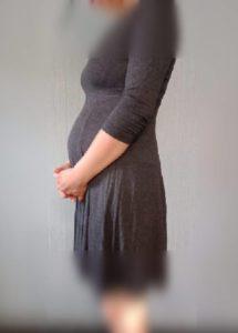 妊娠20週目から妊娠30週目までのお腹の変化を写真で比較
